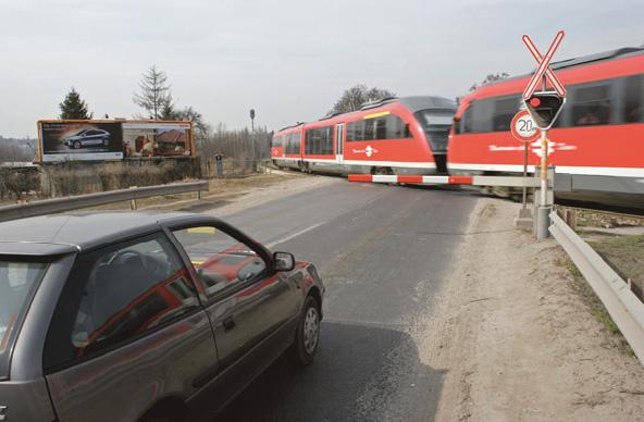 Változott a vasúti átjárókon való áthaladás szabályozása is