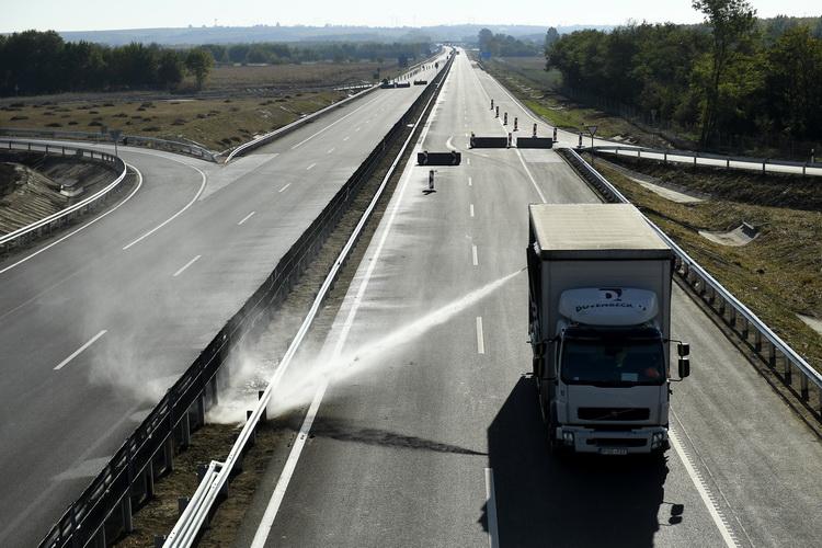 Az M4 Gyorsforgalmi út újabb Pest Megyei Szakaszát Adták át