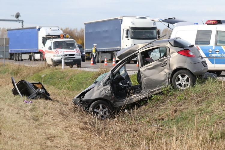 Ketten Meghaltak Egy Szolnoki Közlekedési Balesetben