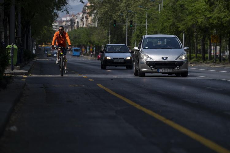 Koronavírus Ideiglenes Kerékpársávok Budapesten