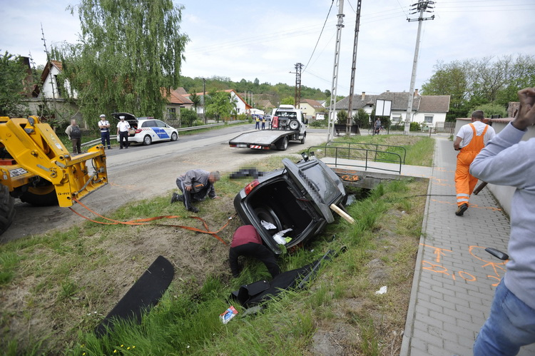 Halálos baleset Bényén