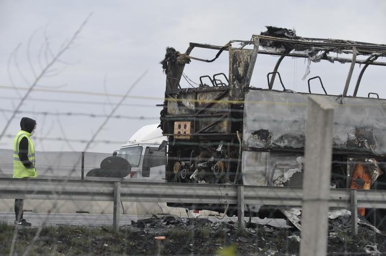 Kiégett Egy Busz Az M0 Son Szigetszentmiklósnál