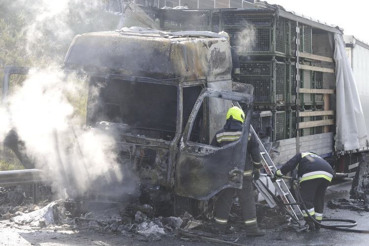 Kigyulladt Egy Kamion Az M0 S Autóúton