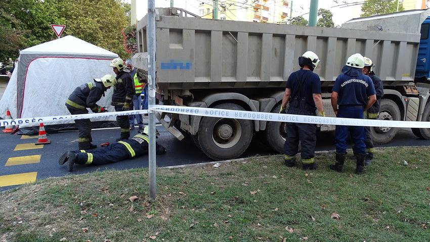 Meghalt Egy Kisgyerek, Akit Teherautó Gázolt El Szegeden
