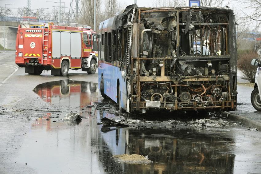 Kiégett Egy Busz A Xi. Kerületben