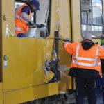 Villamosba Tolatott Egy Kamion Kőbányán